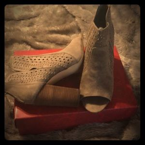 Taupe - Open Toes Bootie